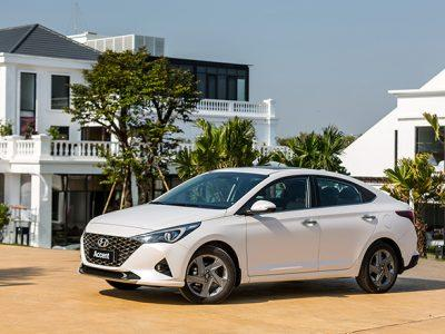 Gia-xe-Hyundai-Accent-lan-banh-thang-4-2021-4-1618681819-221-width660height440