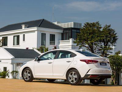 Gia-xe-Hyundai-Accent-lan-banh-thang-4-2021-6-1618681819-704-width660height440